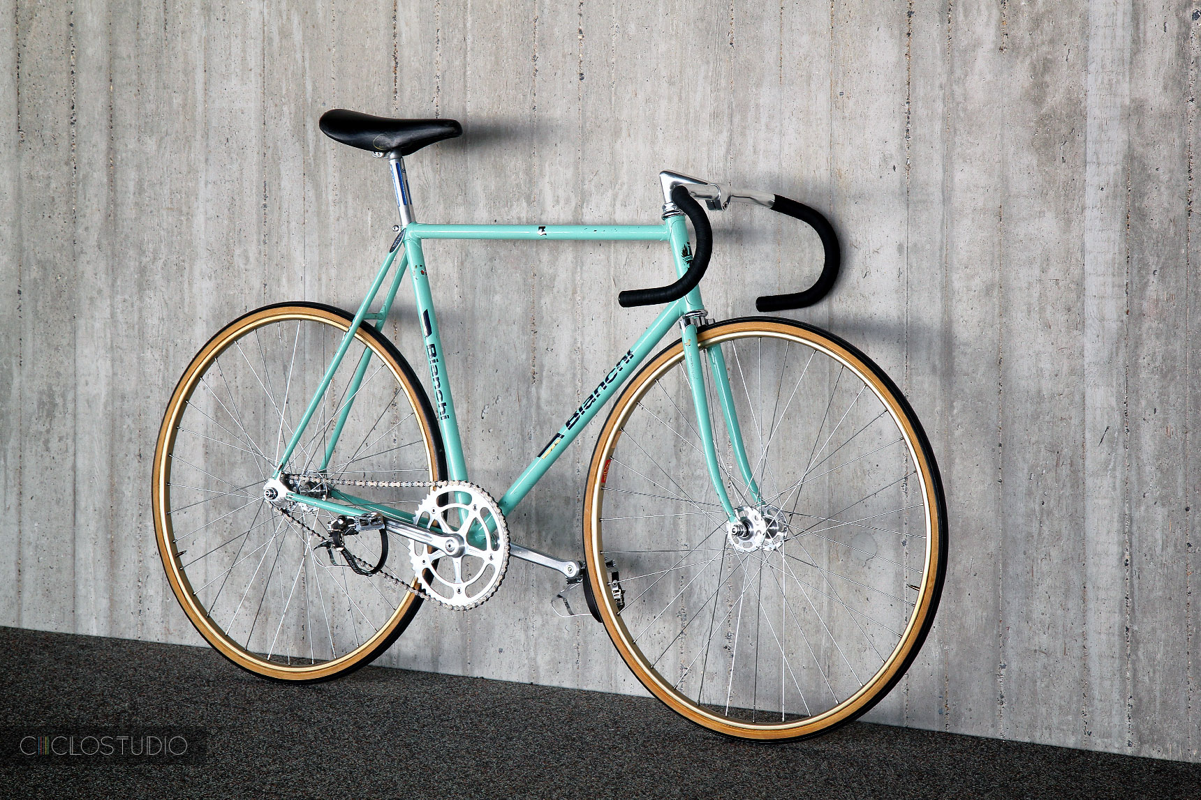 track vintage Bicycle
